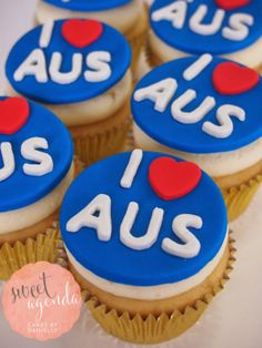 Australia Day cupcakes Gallery Australian Party, Australia Day Celebrations, Date Night Dinners, Aussie Food, Anzac Day, Cookie Box, Best Friend Birthday, Bbq Party, World Recipes