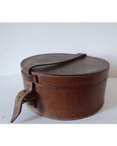 Vintage Leather Collar Box