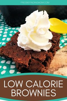 Are you trying to lose weight, but you are craving dessert? These Homemade Low Calorie Brownies will satisfy your sweet tooth without ruining your diet. This brownie recipe is only 37 calories per serving and is loaded with chocolatey goodness. Whether you are on a low or no sugar diet, Weight Watchers, or you have other health restrictions check out this low calorie dessert. #brownierecipes #brownierecipehomemade #browniesfromscratch #lowcaloriebrownies #lowcaloriedesserts… Low Calorie Brownies, Low Calorie Desserts, Low Calorie Recipes, Diabetic Recipes, Healthy Meals For Kids, Kids Meals, Toddler Meals, Brownies From Scratch, No Sugar Diet