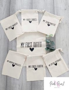 Personalized Baby Shower Gifts, Best Baby Shower Gifts, Baby Shower Gift Bags, Best Baby Gifts, Cricut Baby Shower, Baby Shower Baskets, Cricut Explore Projects, Practical Gifts, Baby Crafts