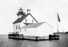 Photographs, history, travel instructions, and GPS coordinates for Dunlap Reef Rear Range Lighthouse.