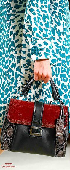 Miu Miu Fall 2015 RTW detail ♔THD♔ Dieses Produkt und weitere MIU MIU Taschen jetzt auf www.designertaschen-shops.de/brands/miu-miu entdecken
