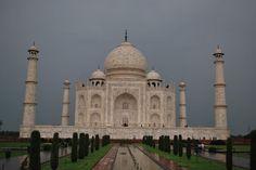 Even pretty in the rain - Taj Mahal, India