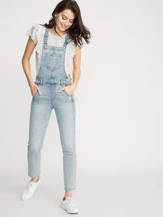 Shop jeans for women from this stylish denim collection at Old Navy. Shop women's jeans, including low rise jeans, boot cut and flared jeans. Overalls Women, Denim Overalls, Overalls Outfit, Denim Romper, Romper Pants, Women's Jeans, Blue Jeans, Girl Fashion, Fashion Outfits