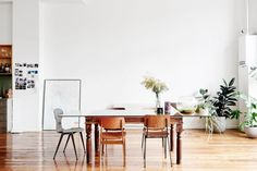 An Australian minimalist home in Melbourne. For more globally inspired interiors, check out www.needsmorecushions.com