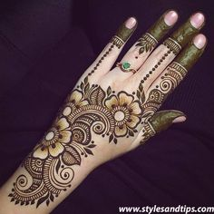 best mehndi design simple and easy step by step are available here. You can save the beautiful mehndi designs, latest mehndi designs. Easy Mehndi Designs, Latest Mehndi Designs, Bridal Mehndi Designs, Indian Mehndi Designs, Henna Art Designs, Mehndi Designs For Girls, Mehndi Designs For Beginners, Mehndi Design Pictures, Mehndi Designs For Fingers