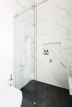 Small bathroom renovations: 9 clever design tips - The Interiors Addict, # . - Small bathroom renovations: 9 clever design tips – the interiors addict, - Small Bathroom Renovations, Modern Bathroom Design, Bathroom Interior Design, Bathroom Remodeling, Remodel Bathroom, Modern Marble Bathroom, Carrara Marble Bathroom, Calacatta Marble, Best Bathroom Designs
