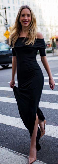 #spring #outfits Al entrar en el fin de semana como 💫💃🏻 // Negro del hombro vestido maxi y bombas Desnudos