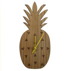 kreativní hodiny - možná součást něčeho většího / Karlsson pineapple-clock.