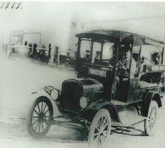 Primer camion urbano que iba del Mercado Juarez a la Fundidora.