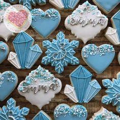 Olaf Cookies, Snow Cookies, Frozen Cookies, Sugar Cookies, Frozen Party Favors, Frozen Themed Birthday Party, Frozen Themed Food, Princess Cookies, Elsa Cakes