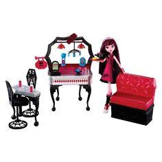 Monster High Die-ner & Draculaura Playset & Doll