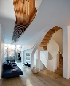 FLOW Architecture Designs 'Light Falls' Victorian House in Kensington FLOW Architecture entwirft 'Light Falls' viktorianisches Haus in Kensington Terraced House, Living Area, Living Spaces, Living Room, Timber Stair, Architects London, Architecture Design, Architecture Today, Timber Architecture
