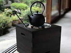 Hibachi (Japanese brazier, heating appliance using charcoal as fuel)
