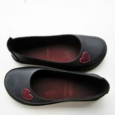 EDITH Shoes, Black, Berry