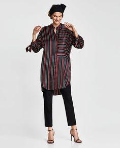 Obrázok 1 z SATÉNOVÉ ŠATY S PRÚŽKAMI od spoločnosti Zara