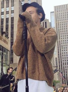 Sweater paws omg just like lou