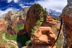 Hiking guide and photographs for trails and routes in Zion Canyon, Zion National Park. (Joe's Guide to Zion National Park) National Park Camping, Zion National Park, National Parks, Survival Life, Camping Survival, Outdoor Survival, Camping Gear, Steps Of Faith, Las Vegas