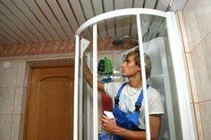 Aby pozbyć się smug na drzwiach prysznicowych…
