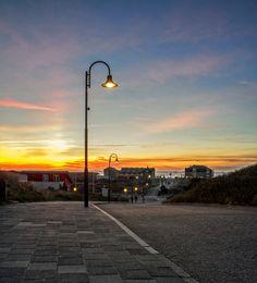 Zonsondergang in de Koog op Texel, Sunset, de Koog, Texel. #Texel #deKoog #zonsondergang #sunset #street #streetview #beach #strand #holland  #wadden #noordzee  Website: http://justinsinner.nl Webshop: http://justinsinner.werkaandemuur.nl/nl