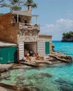 Insider Tip # The private beach Es Caragol - Mallorca, Menorca & Ibiza - Holiday events Menorca, The Places Youll Go, Places To Go, Casas Containers, Wanderlust Travel, Belle Photo, Dream Vacations, Places To Travel, Beautiful Places