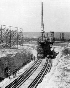 "German ""DORA"" heavy rail gun developed to shell the maginot line."