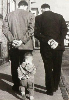 Photo by Robert Doisneau my favorite photographer! His photos captured his personality very well Love the three generations represented. Robert Doisneau, Black White Photos, Black And White Photography, Old Pictures, Old Photos, Funny Pictures, Quote Pictures, Jolie Photo, Vintage Photographs