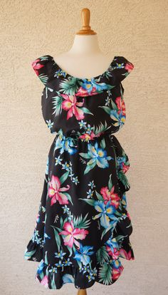 Vintage 1980s Hawaiian Floral Ruffle Dress Size M by CeeLostInTime