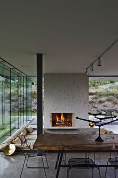Island Retreat was designed by Fearon Hay Architects with Penny Hay as interior designer.