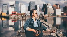 Sondre Lerche, Norwegian Singer, Guitarist, Songwriter. Se popfantomet spille