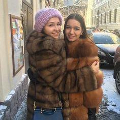 Sable and Fox Fox Fur Coat, Fur Coats, Fur Fashion, Womens Fashion, Sable Coat, Stunning Brunette, Queen Photos, Sheepskin Coat, Furry Girls