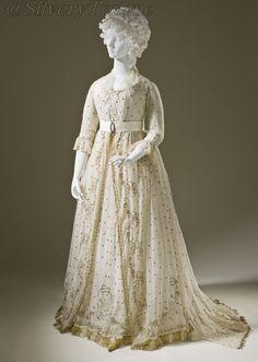 Ca. 1795 dress, England / Los Angeles County Museum of Art