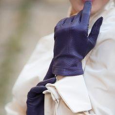 ON SALE: Italian Handmade Women's Leather Gloves by AmeekCompany
