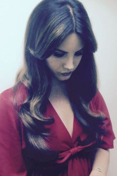 EXCLUSIVE: Lana Del Rey's Hairstylist Shows Us How To Get Her Look