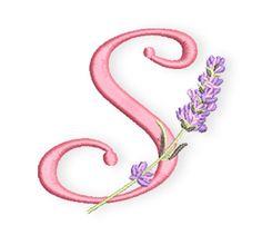 Ich habe Euch heute das S aus meinem Lavendel-Alphabet mitgebracht, natürlich in der Hoffnung, dass alle, die vielleicht Susanne, Sabine, Simone, Sina oder Stefanie heißen, sich nun ein Lavendelsäckchen oder Ihr Monogramm auf ein Handtuch sticken.  Es sieht sicher auch sehr hübsch aus, ein weißes Stoff-Taschentuch ganz in Uni mit dem Monogramm zu besticken.  Benutzt heutzutage noch jemand  ...