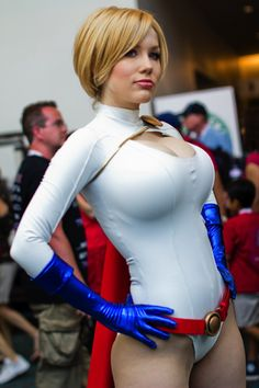 http://hotcosplaychicks.tumblr.com for more beautiful cosplay.