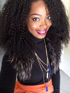 Msnaturallymary rocking HERGIVENHAIR in the Coily texture