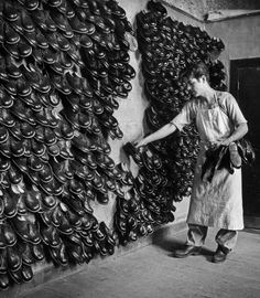 Shoemaker, Greece , Photo by David Seymour. Greece Photography, History Of Photography, Street Photography, My Athens, Seymour, Greece History, Greek Crafts, Daily Beauty, Pictures Of People