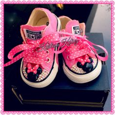 Minnie Mouse converse, Swarovski Crystal Embellished Converse , birthday shoes, Minnie Mouse birthday outfit