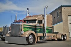 Kenneth Fischer's 1997 Peterbilt 379 won Best of Show in the Working Bobtail category. This photo of the truck was taken in November at the PDI Pride & Polish show.