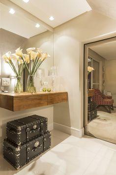 hall, branco, madeira, porcelanato, espelho, off white