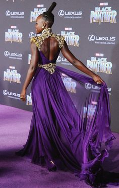 Best Dressed Celebrities: See Their Dresses From the Back - Lupita Nyong'o in Atelier Versace Glamorous Dresses, Beautiful Dresses, Nice Dresses, Beautiful Things, African Fashion Dresses, African Dress, Celebrity Dresses, Celebrity Style, Types Of Dresses