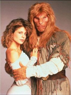 """""""Beauty and the Beast"""" with Vincent (Ron Perlman) and Catherine (Linda Hamilton) Best TV series - ever Ron Perlman, Top Des Series, Tv Series, 80 Tv Shows, Movies And Tv Shows, Arnold Et Willy, Mejores Series Tv, Vincent And Catherine, Vintage Tv"""