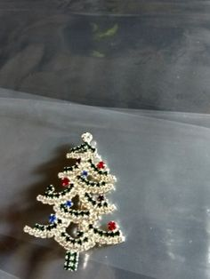 Antique Christmas tree brooch/pin