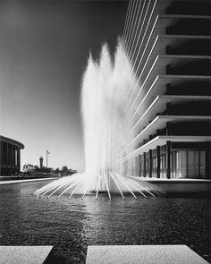 LADWP : Los Angeles Department of Water and Power (1965) | Albert C. Martin and Associates | Photo : Julius Shulman © J. Paul Getty Trust