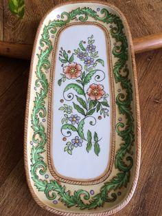 Lizabeth Sbroggio Decoration, Tray, Enamel, Pottery, Plates, Tableware, Painting, Ceramic Tile Art, Ceramic Painting