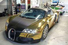 WEB LUXO - Carros de luxo: Uma Bugatti Veyron, agora na versão ouro