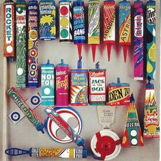 Standard fireworks, 1973 - memories of bonfire night, I hated the fireworks so watched from the kitchen window eating treacle toffee! Childhood Images, My Childhood Memories, Standard Fireworks, Vintage Fireworks, Fireworks Box, Cartoon Photo, Bonfire Night, Firecracker, Cool Cartoons
