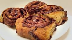 Food Hunter's Guide to Cuisine: Nutella Swirl Rolls & A Huge Blogger Giveaway