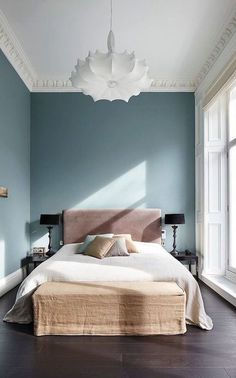 10 Ways to Make Your Bedroom More Peaceful